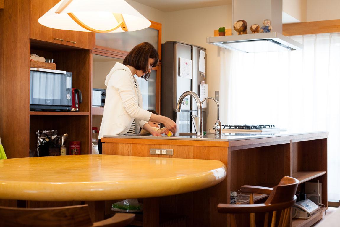 K様邸_「MONDO 」のオーダーキッチン