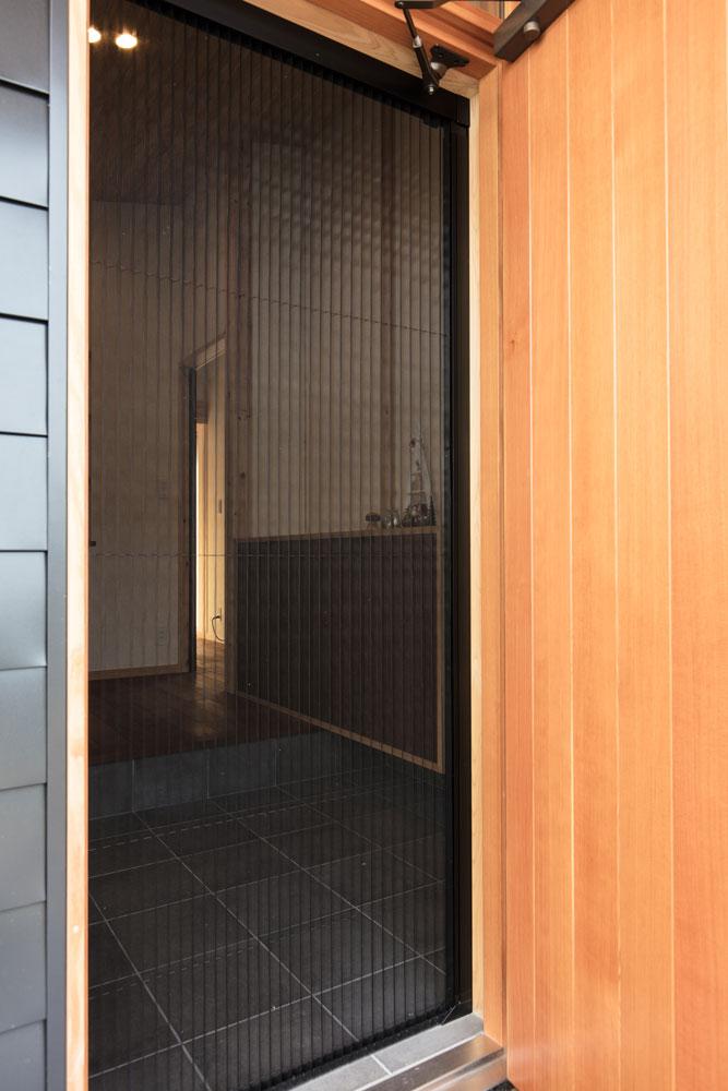 長期優良住宅の平屋_玄関網戸