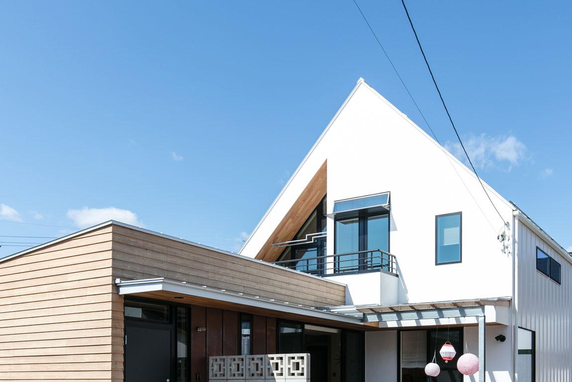 SE構法で地震にも安心。三角屋根の長期優良住宅_外観