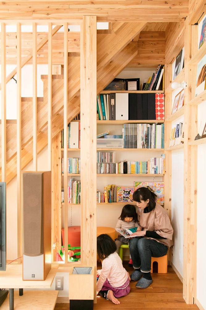 SE構法で地震にも安心。三角屋根の長期優良住宅_キッズスペース